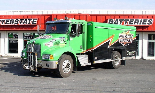 1024px-Interstate_Batteries_T300_Kenworth.jpg