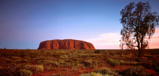 Ayers_Rock_Northern_Territory_Australia1.jpg