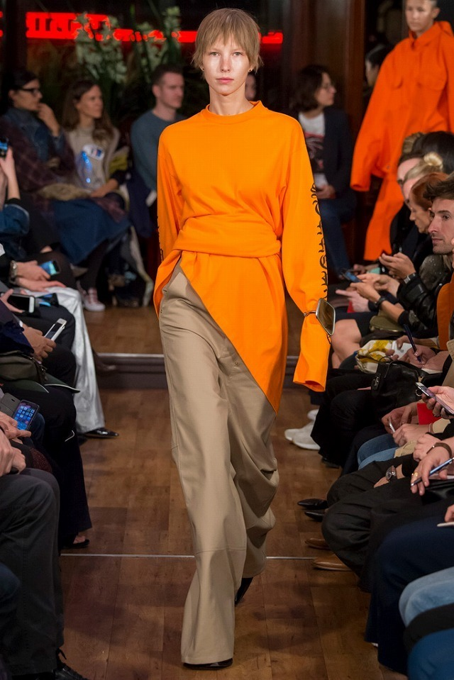 VETEMENTS_2016SS_Pret_a_Porter_Collection_runway_gallery-7.jpg